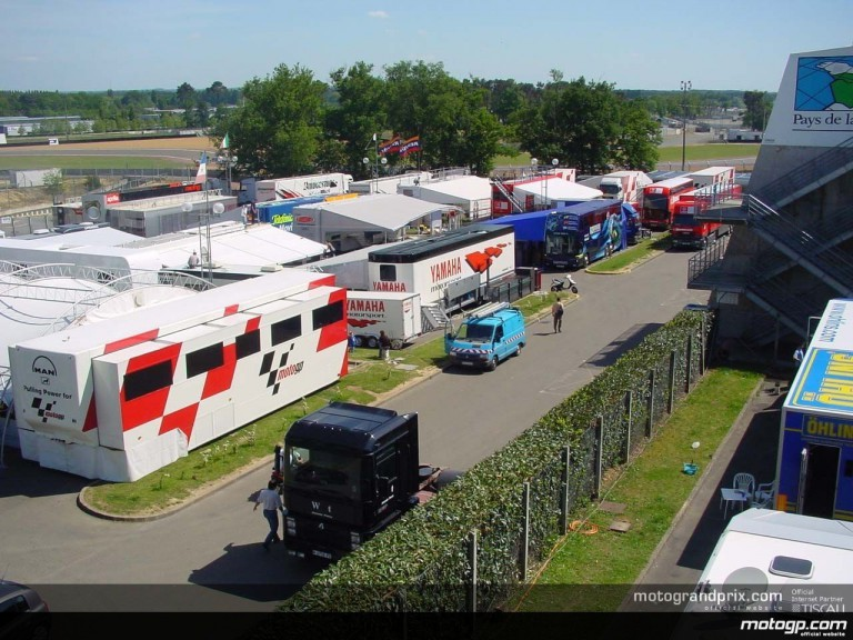 Arraiving to the circuit - Le Mans
