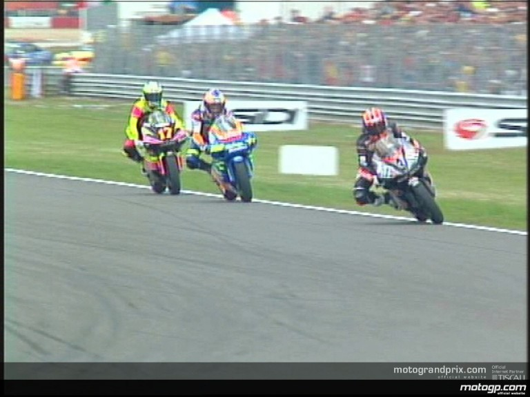 Melandri makes his break