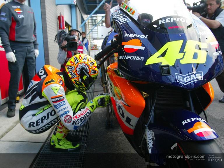 Rossi pit lane