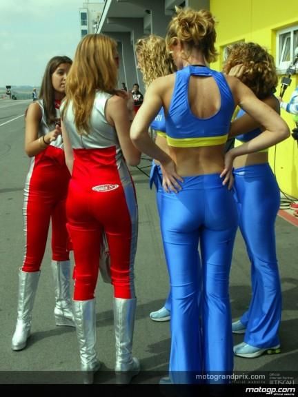 Sachsenring Paddock Girls