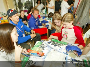 Gibernau with kids