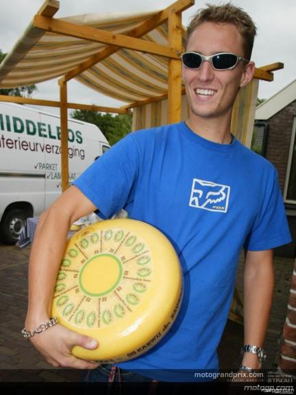 Riders visit a Cheese Shop - Kaasmakerij Karwij, Rolde
