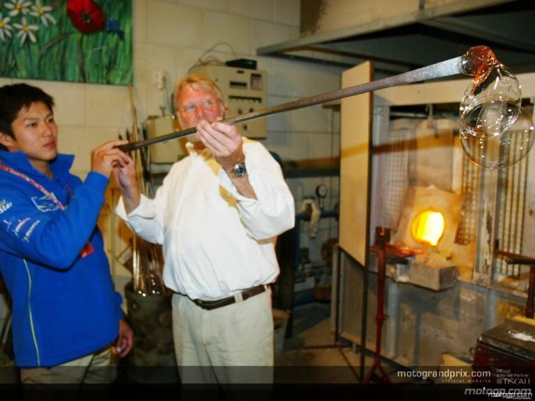 Riders visit Glassmuseum