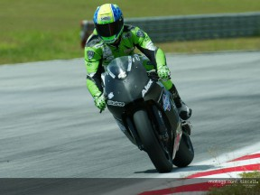 Hofmann action 1 Test Sepang 2004