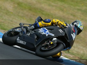 Biaggi action 2 Test Phillip Island
