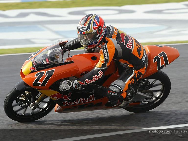 Stoner action Jerez 2004