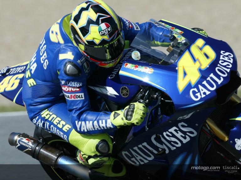 Rossi action Jerez 2004