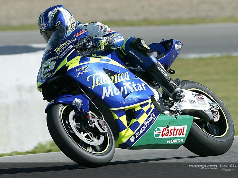 Gibernau action Jerez 2004