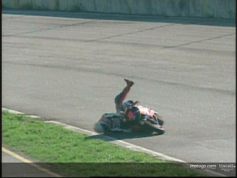 Alex Barros crash during the QP1
