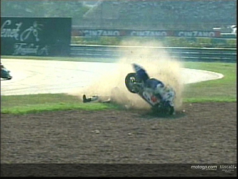 Eric Bataille crash during the race