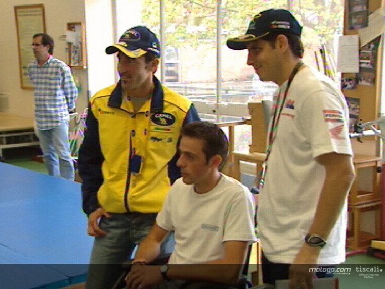 Biaggi and Barros visit patients suffering from motorycling injures