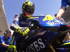 Rossi testet neues Auspuff System in Estoril