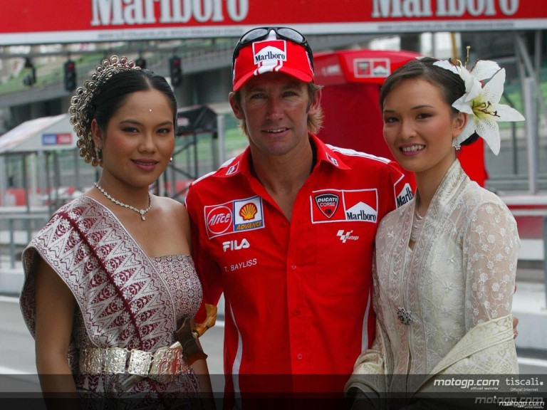 Paddock prepares for the Marlboro Malaysian Motorcycle GP