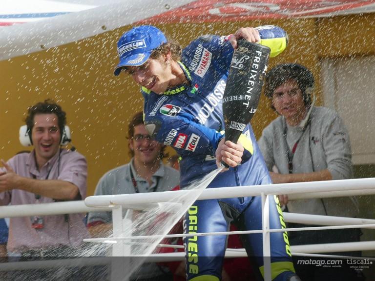 Rossi podium Valencia 2004