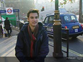 Dani Pedrosa moves to London