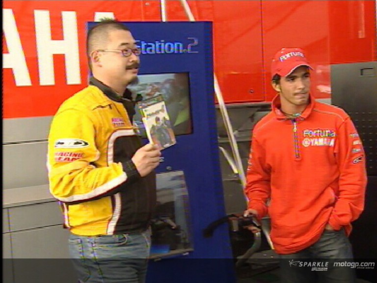 Toni Elias and Namco´s Isao Nakamura test MotoGP4 on PlayStation