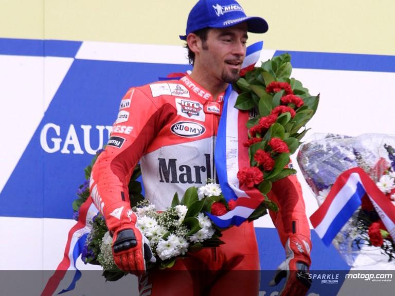 Biaggi podium assen 2001