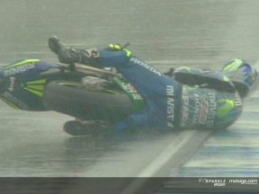 Sete Gibernau crash during the race