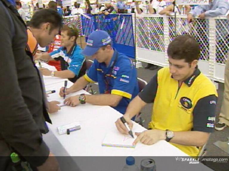 Japanese fans meet up with MotoGP stars