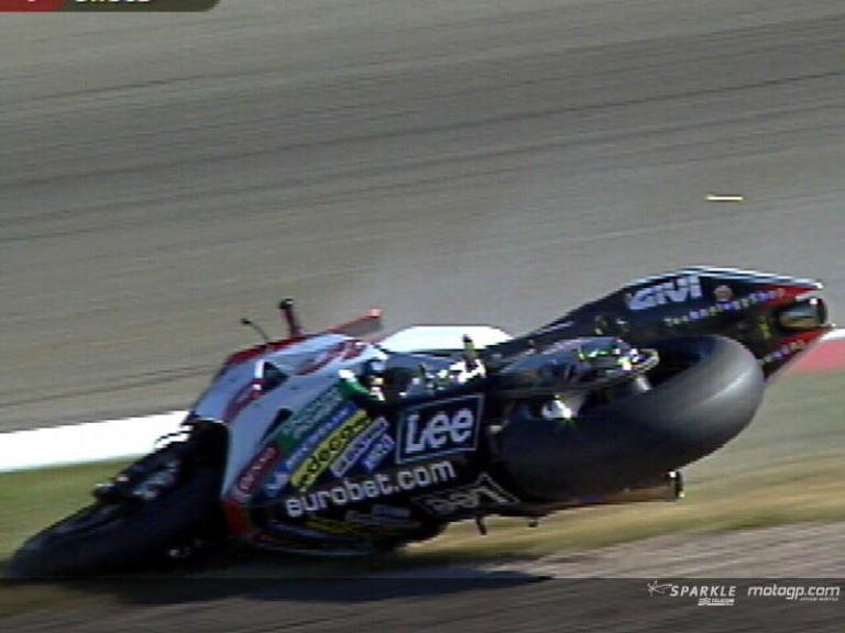 Casey STONER crash during WUP