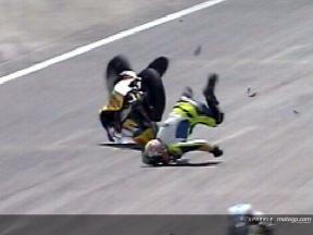 Andrea IANNONE cade durante la gara