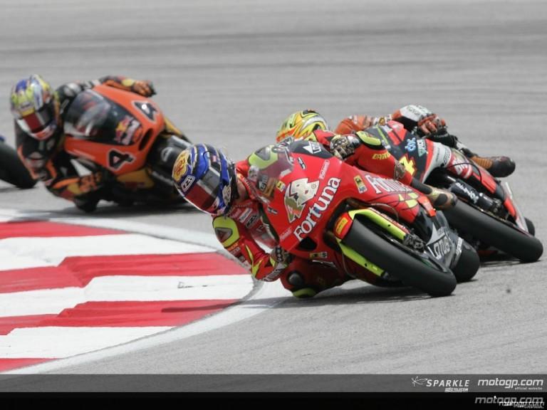 250cc - Circuit Action Shots - Marlboro Malaysian Motorcycle Grand Prix