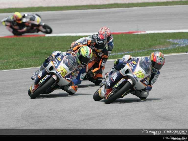125cc - Circuit Action Shots - Marlboro Malaysian Motorcycle Grand Prix