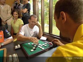 Les pilotes découvrent le jeu de go