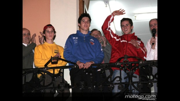 Spanish riders welcomed at Cheste Town Hall