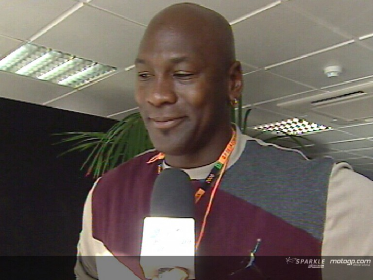 Michael Jordan enjoys Valencia GP
