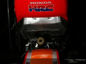 Repsol Honda present 800cc prototype