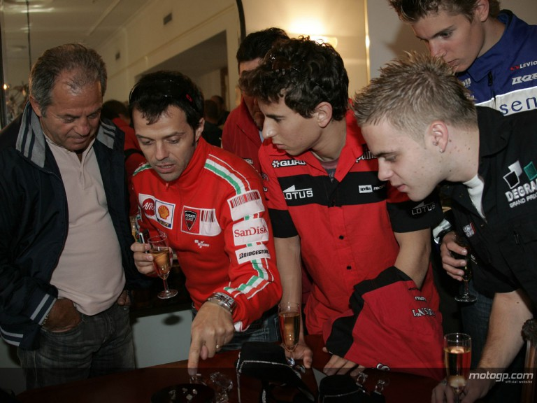 MotoGP stars visit Dutch diamond house