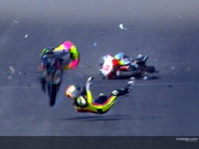 SIMONCELLI and SEKIGUCHI crash during WUP