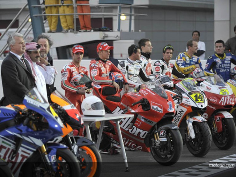 MotoGP´s first ever night test in Qatar