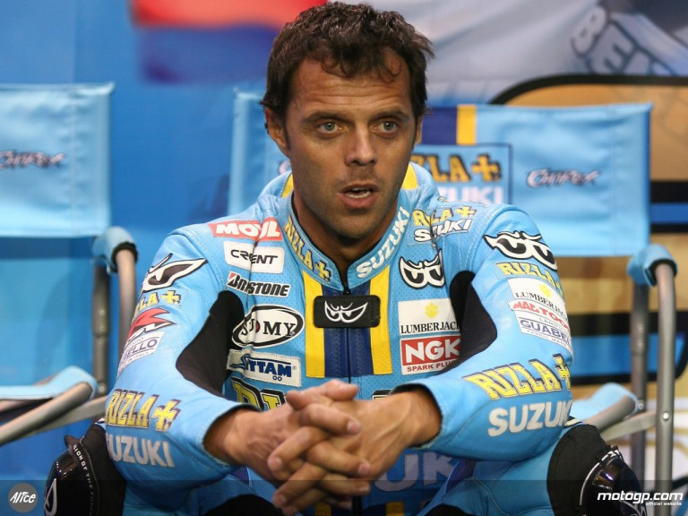 Capirossi in Rizla Suzuki box at Losail