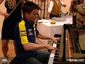 Toseland tickles the ivories