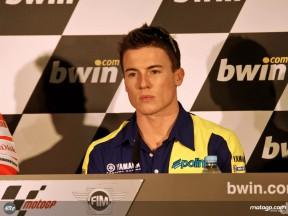 Toseland in press conference in Estoril