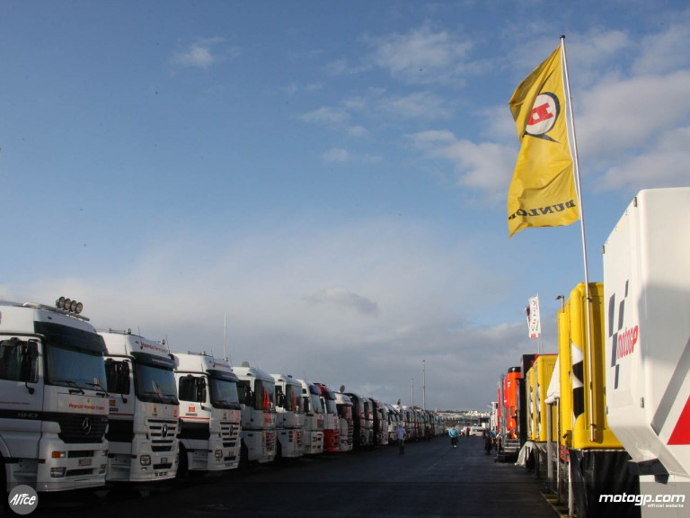 Estoril circuit paddock on Friday morning during the Portuguese GP