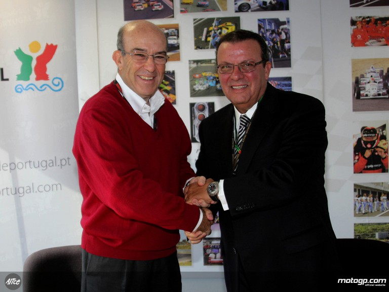 Dorna CEO Carmelo Ezpeleta and Estoril Circuit Director, Domingos Piedade sign new deal