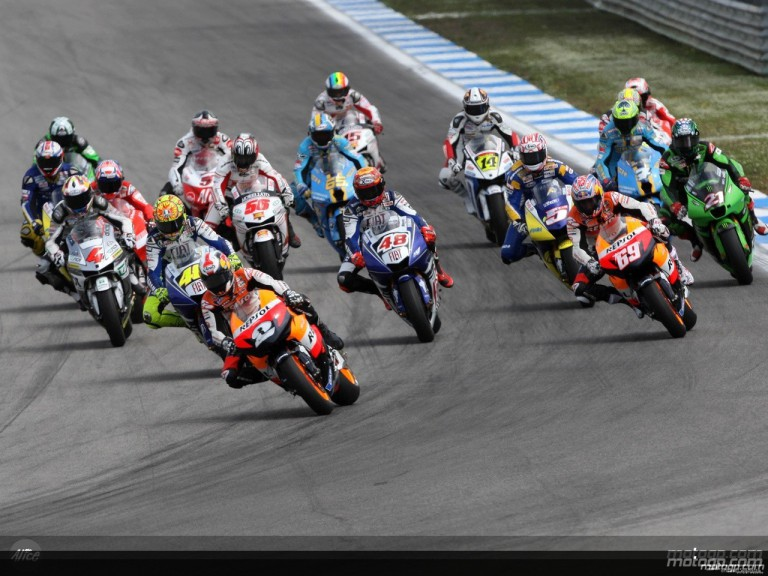 MotoGP group in action in Estoril (MotoGP)