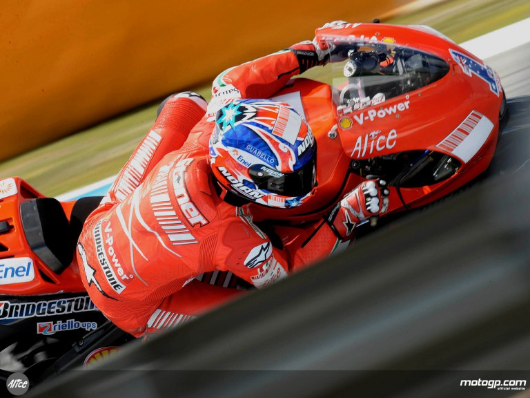 Casey Stoner in action in Estoril (MotoGP)