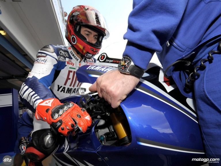 Jorge Lorenzo exits the Fiat Yamaha garage for QP at Estoril
