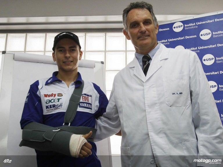 Jorge Lorenzo and Dr Mir at the Dexeus Clinica
