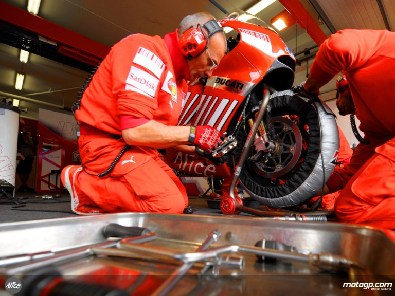 Mechanics at work in the Ducati Marlboro garage