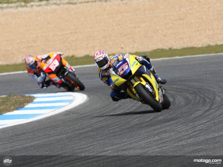 Colin Edwards ahead of Nicky Hayden at Estoril