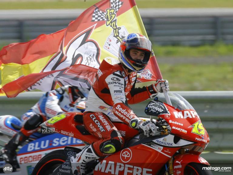 Bautista celebrates his victory at Estoril