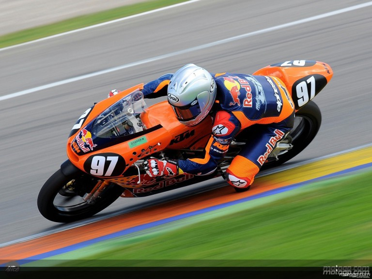 Cameron Beaubier in action in Valencia (Red Bull MotoGP Academy)