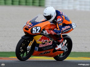 Danny Kent in action in Valencia (Red Bull MotoGP Academy)