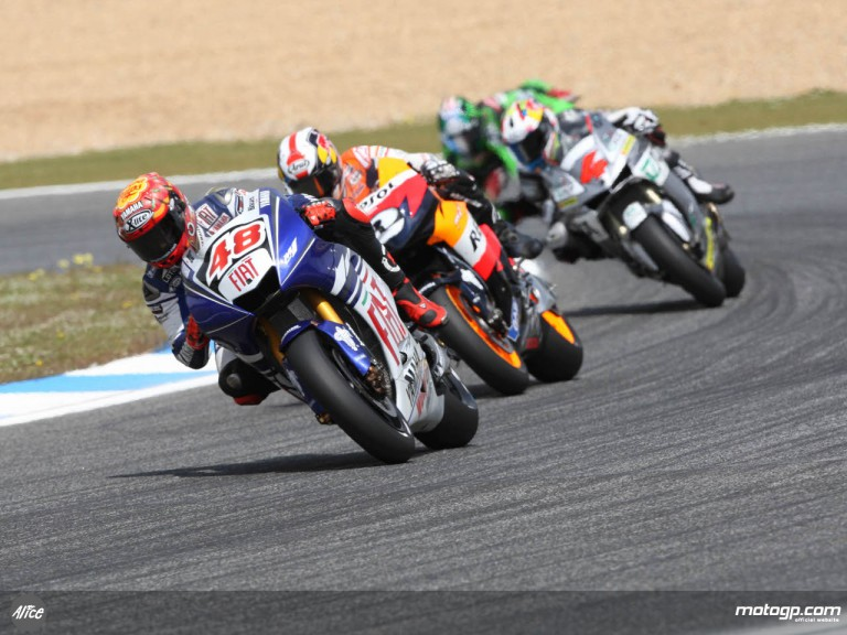 Lorenzo and Pedrosa fighting for the lead at Estoril
