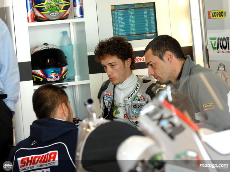 Andrea Dovizioso in JIR Scot garage